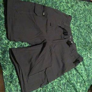 Costco zip off leg cargo/shorts/pants